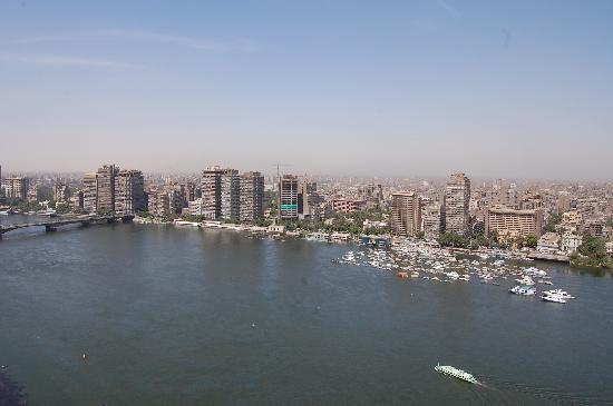 แกรนด์ไนล์ ทาวเวอร์: View from the suite