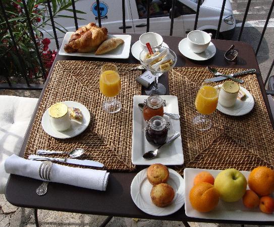 L'Ecurie du Castellas : Breakfast