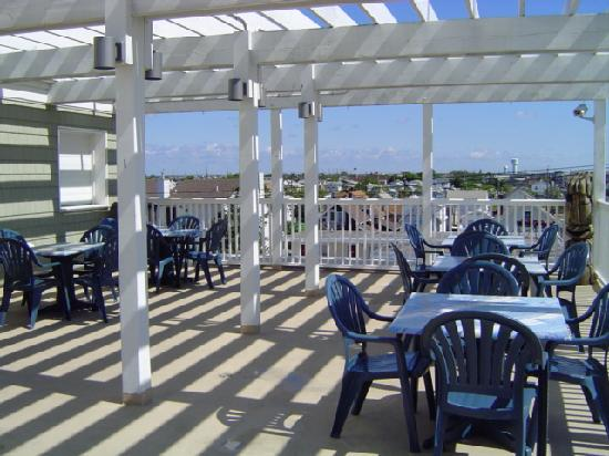 The White Pearl Hotel: deck