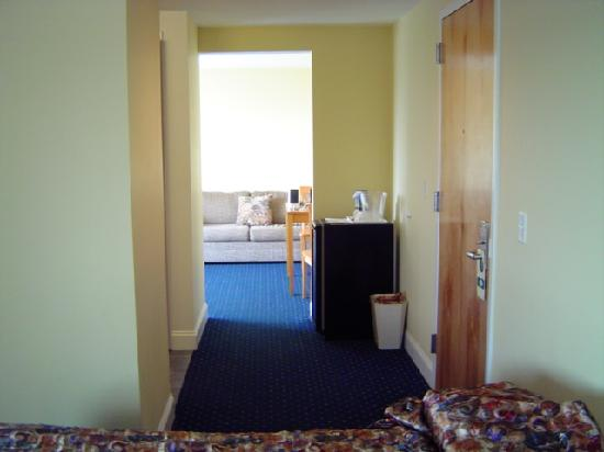 The White Pearl Hotel: halway