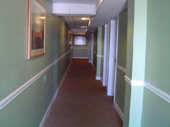 The White Pearl Hotel: hallway