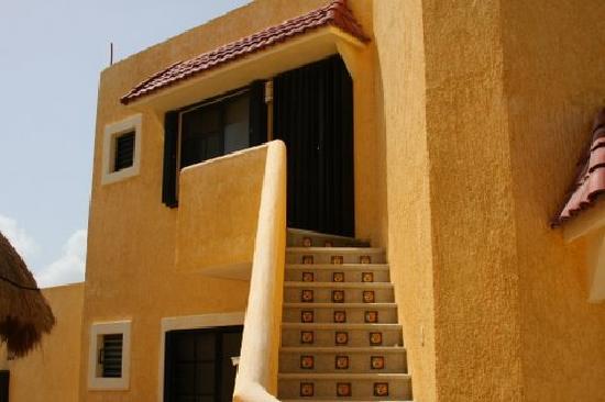 Margarita del Sol: Tiled steps