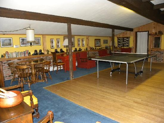 Arapahoe Ski Lodge: Game Room