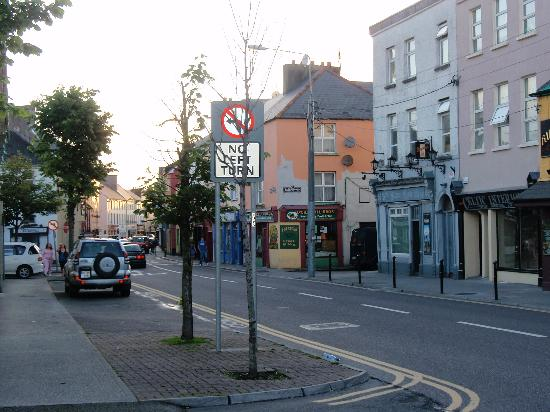 Manor Lodge B&B : One of the streets in the town of Tralee