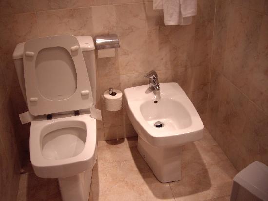 Abba Reino de Navarra Hotel: bathroom