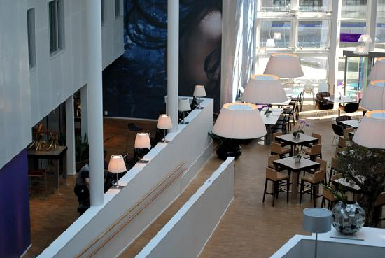 Comfort Hotel Trondheim: You can always use the free internet at these stations