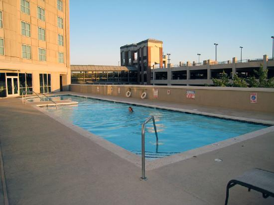 Doubletree By Hilton Modesto Pool With Garage View