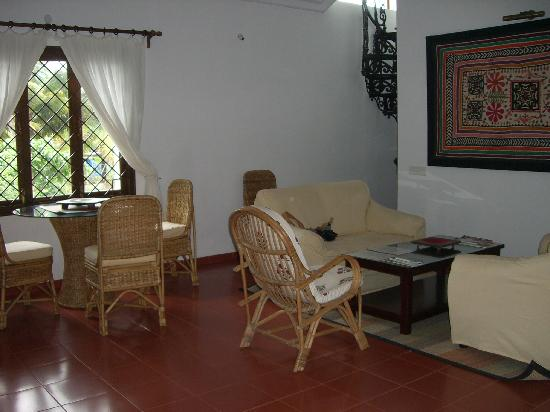 Casa Mia, Goa: living room