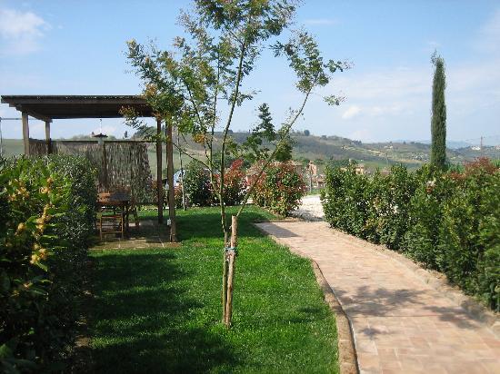 Casa Vacanze Casastieri: outside dining area!