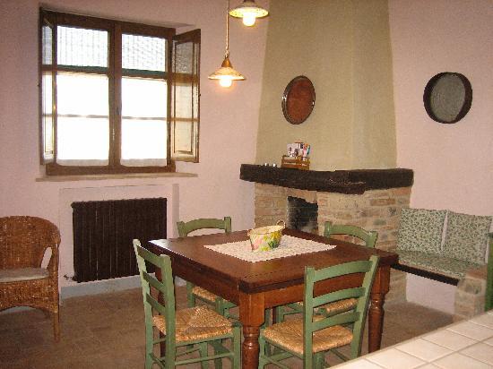 Casa Vacanze Casastieri: kitchen area