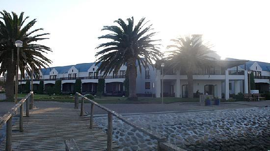 Protea Hotel Walvis Bay Pelican Bay : L'hôtel en bord de mer