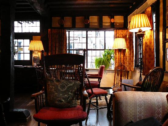 Midhurst, UK: Lovely lounge/bar