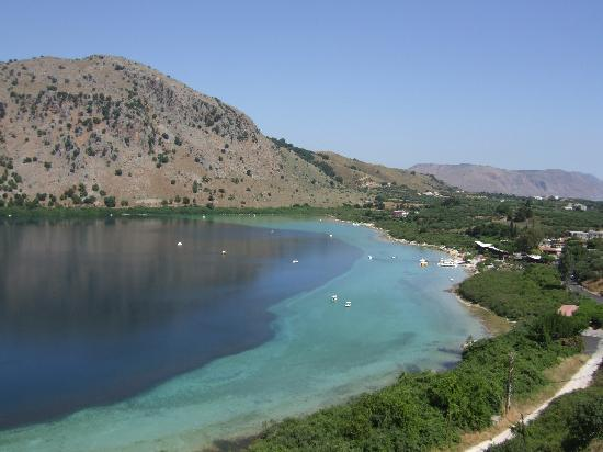 ‪‪Pilot Beach Resort‬: le lac de Kournas‬