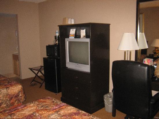 Days Inn & Suites Lancaster: 2 queen bed room