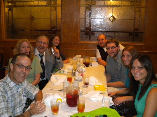 Warren, MI: Our family enjoying a rehearsal dinner at Julianos Restaurant