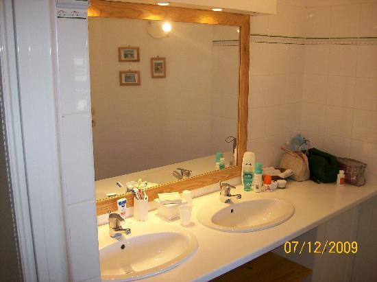 Bed and Breakfast Kerloan: Salle de bain de la chambre verte