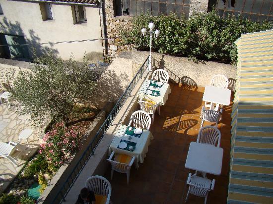 Chez Berneron : La terrasse du petit déjeuner