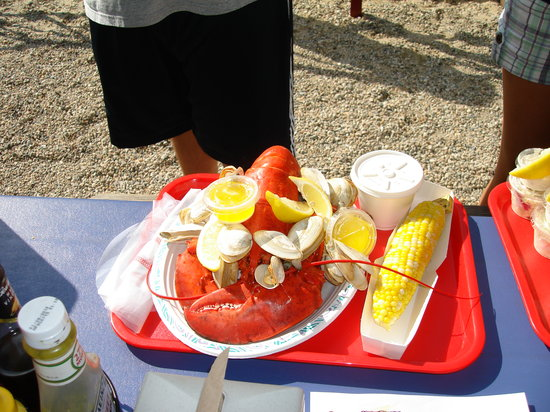 Arnold's Restaurant: lobster, steamers & corn-on-the-cob