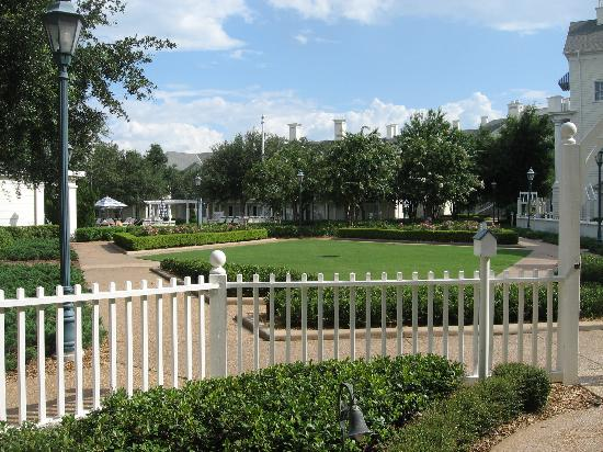 Disney's BoardWalk Inn: looking out our door ..straight ahead is the quiet pool