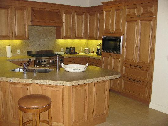 Marriottu0027s Shadow Ridge II  The Enclaves: Kitchen In 2355