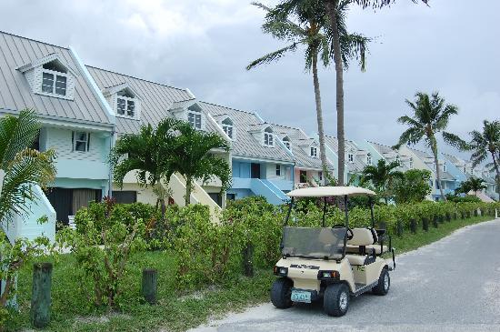 Treasure Cay Beach, Marina & Golf Resort : View of the buildings at Treasure Cay