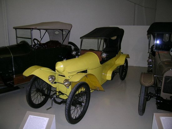 Owls Head Transportation Museum: Two seater - one behind the other