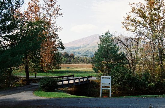 Sperryville, VA: Entrance of Sharp Rock