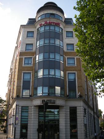 Station de m tro la plus proche picture of london for Hotel plus proche