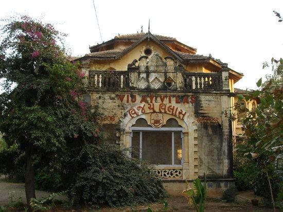 Palitana, India: Vijay Vilas
