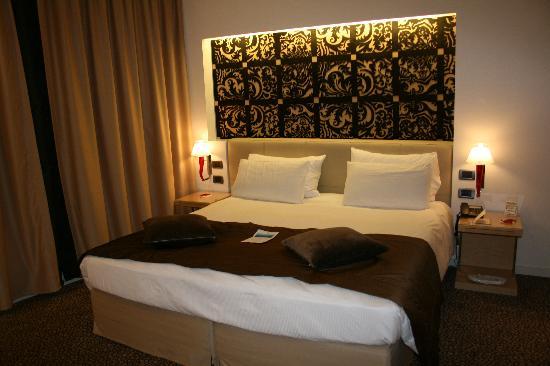"""Antony Palace Hotel: chambre """"exécutive""""."""