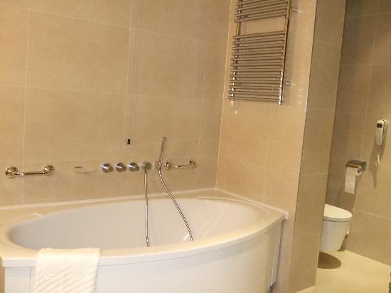 Hotel Monte Mulini: Bathroom