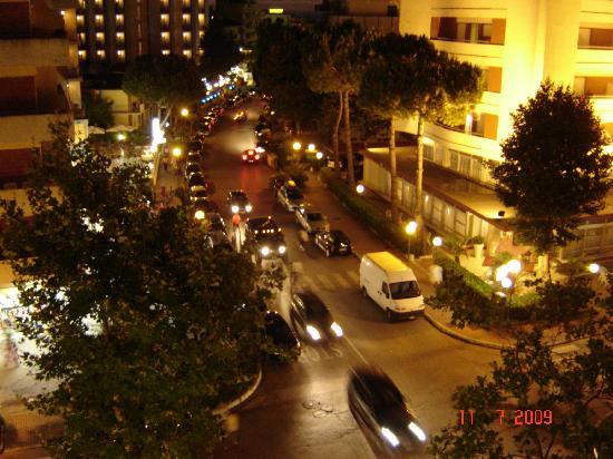 Hotel Michelangelo: Vue depuis une des chambres la nuit