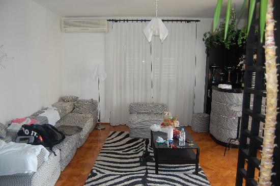 Tija Apartments: Living room