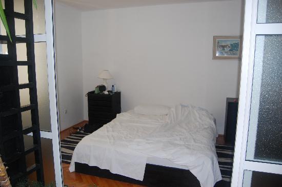 Tija Apartments: Bedroom