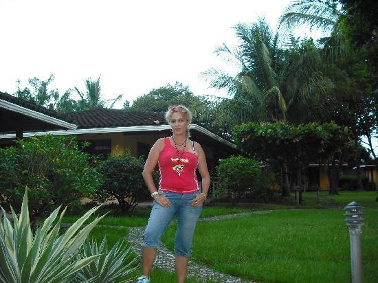 Bahia Esmeralda: da gusto ver la  Cantidad de aves y ardillas que pasan