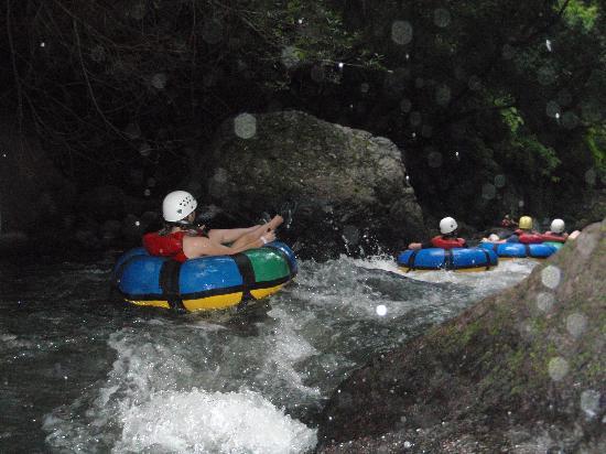 Hacienda Guachipelin: tubing