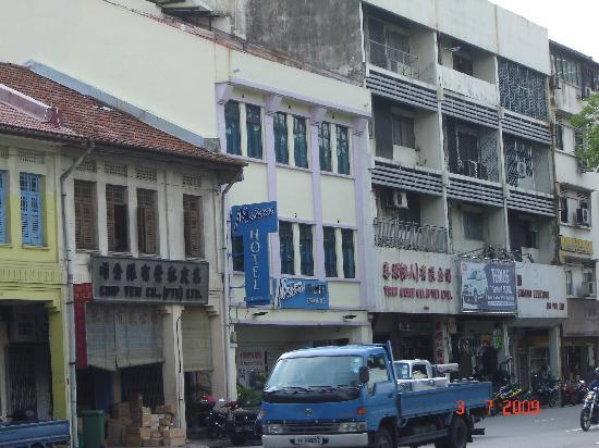 Madras Hotel Eminence: Entrance on Jalan Besar