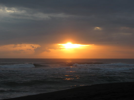 Gandoca - Manzanillo Wildlife Refuge: Playa Gandoca sunrise