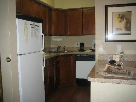 Homewood Suites by Hilton Wilmington - Brandywine Valley: Kitchen