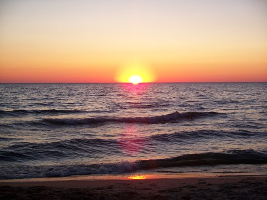Michigan : Sunset on Oval Beach