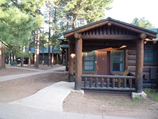 ‪‪Grand Canyon Lodge - North Rim‬: Outside of our western cabin‬