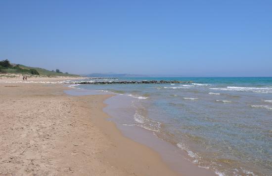 Da Vittorio Ristorante: Beach in front of restaurant