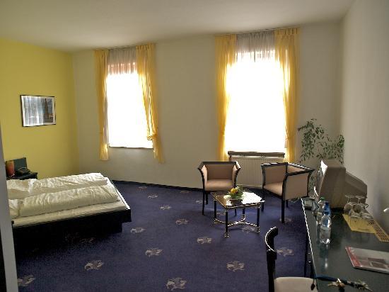 Hotel Schweizer Hof: Zimmer
