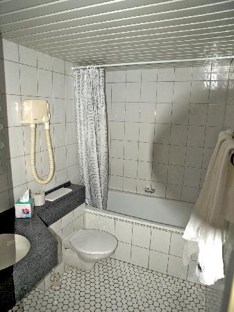Hotel Schweizer Hof: Bad