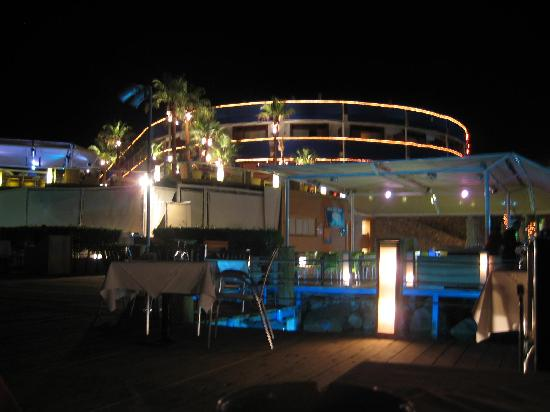 On Deck - Floating Restaurant : View