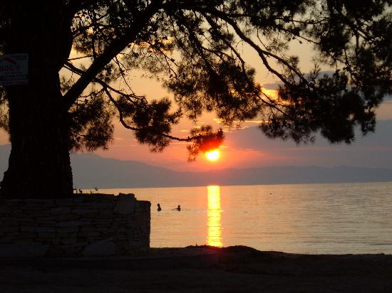Mediterranean Apartments : Sunset from Olgas Place (taverna)