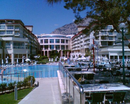 Barut Kemer : Hotelansicht vom Garten / Poolrestaurant