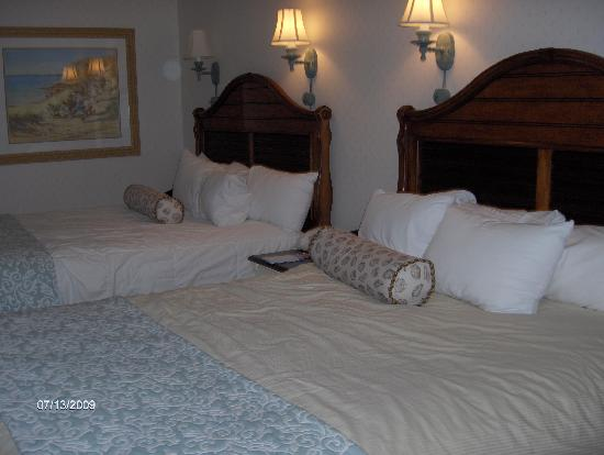 Disney's Beach Club Resort: The beds were so comfortable