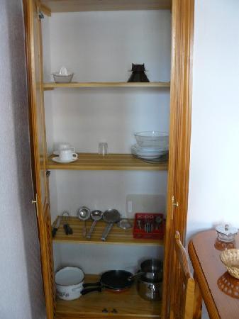 تينيريفي فينج: Kitchen closet