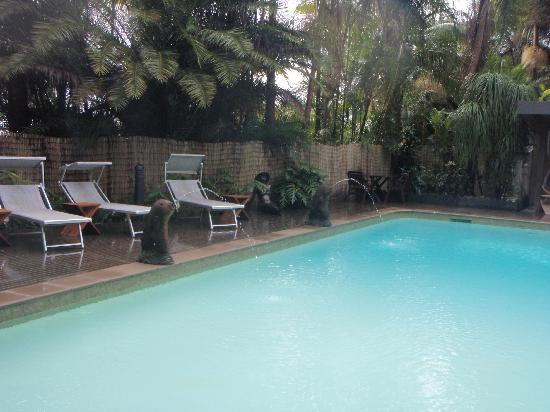 Gaia Retreat & Spa: Relaxing and beautiful pool area.